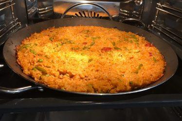 Paella-cu-carnati-chorizo-si-pui-organic3