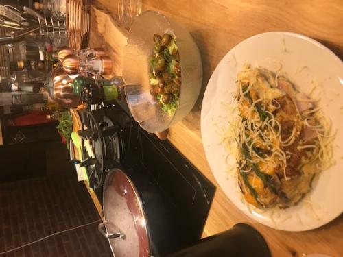 omleta-rulata-ciuperci-sunca-branzeturi (10)