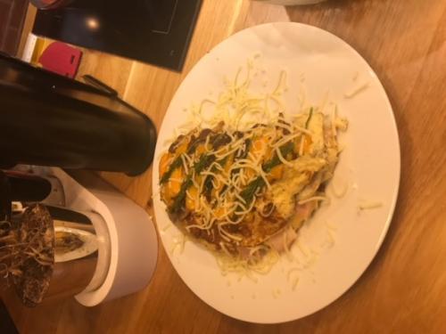 omleta-rulata-ciuperci-sunca-branzeturi (11)