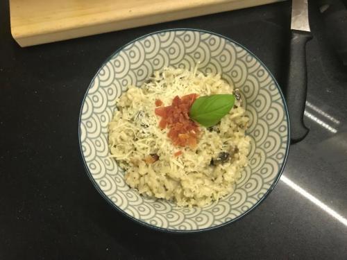 Risotto cu ciuperci champignon proaspete (1)