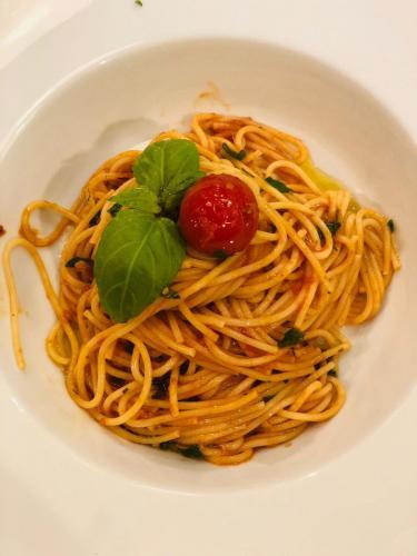 Spaghete cu ton și fructe de mare (13)