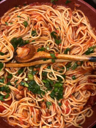 Spaghete cu ton și fructe de mare (14)