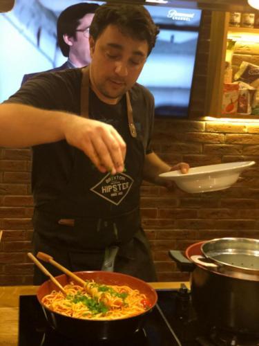 Spaghete cu ton și fructe de mare (4)