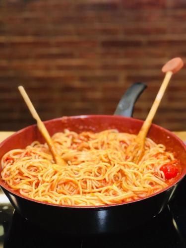 Spaghete cu ton și fructe de mare (5)